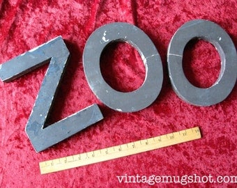 "Wooden Letters ZOO   5 1/4"" "" x 7"" Brown Painted Wood Three letters o o and z"
