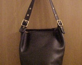 Reserved for Neeniefish til Oct. 8 VTG 80s Authentic Large Coach Deep Black Leather Duffel Bucket Handbag Purse 9085