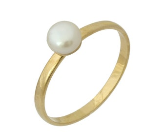 Classic Polished Pearl Engagement Ring in Yellow Gold