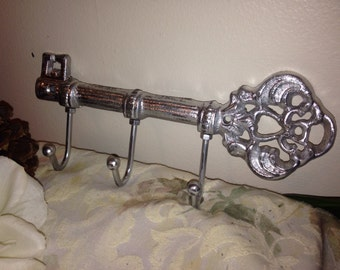 Treasury Item / Key Holder / Shabby Chic Key Holder / HArdWAre IS inCLUdeD