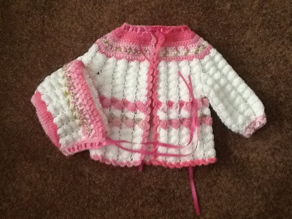 Pink verigated and white sweater set sale price 14.00
