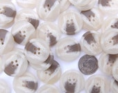 DISCOUNT BUTTONS 30 Horn Like Buttons, Taupe / white / beige, 7/8 inch or 23mm, Sewing Buttons