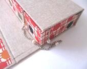 hako chitsu Japanese box - natural with katazome red disk paper
