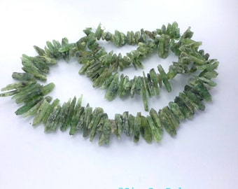 PriCklY PrIcInG KYANITE Stick BEAdS. Rough Elongated Shapes. Looooong Strand. Approx. 22 inches. 607 cts. 6x15  to 5x28 mm  (Ky224)