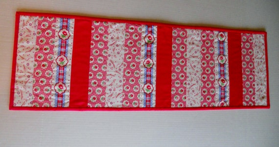 Valentine Quilted Table Runner Flowers Hearts Red, Pink, Blue