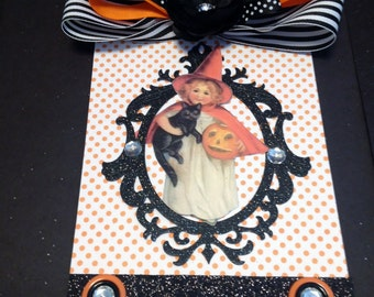 Halloween Wall Hanging, Plaque, Witch with Black Cat and Pumpkin