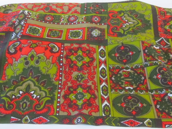Retro 1970s Red And Green Paisley Barkcloth 1 Yard By By