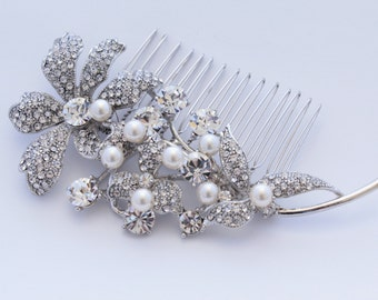 Wedding hair flower Bridal hair comb pearl Wedding hair comb vintage Bridal hair accessory Wedding headpiece Bridal hair jewelry Bridal comb