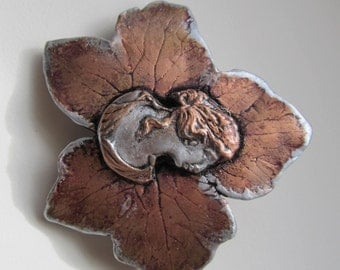 Barrette Cameo on Leaf in Bronze and Silver colors large
