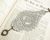 lace bracelet cuff -AGHNA- soft gray grey