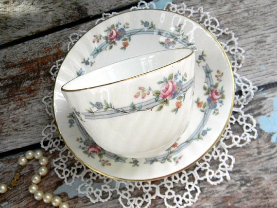 Minton Chartwell Bone China Teacup Tea Cup and Saucer - Royal Doulton 10280