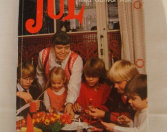 Vintage Danish craft book for Christmas /  written by Gunvor Ask