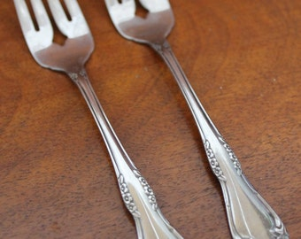 Oneida Wm A Rogers Stainless Flatware In By Atomicholiday