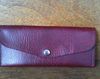 Vintage English vegan red wallet purse circa 1960's / English Shop
