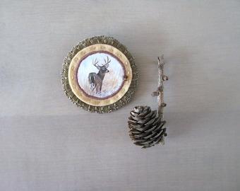 felt brooch with antler deer stag - natural history - animal brooch - woodlands - brown natural colors - lightweigt felt brooch