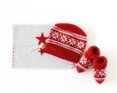 Knitted baby hat and socks with jacquard. Red/White. 100% Merino wool. READY TO SHIP size Newborn. Christmas time.