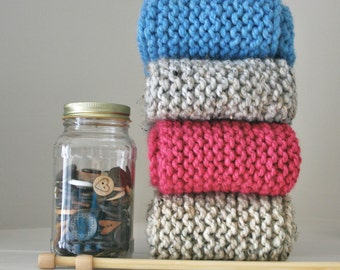 Chunky Knit Infinity Scarf  / THE CANUCK TWISTER