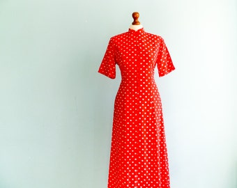 Vintage bright red dress / white polka dot / short sleeve / buttoned / fitted / maxi long / medium