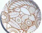 """Indian Lace Wood Grain 10"""" Plate, White"""