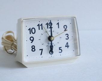 Cream Electric Clock - Westclox - Bold II - Alarm Clock - Dialite - Off White