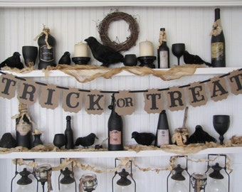 TRICK or TREAT Banner, Halloween Sign, Halloween Party, Fall Decoration, Trick or Treat Sign, Autumn Decor