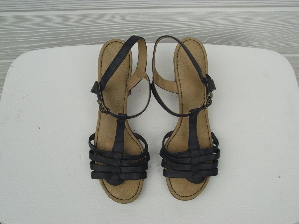 Vintage 70s Platform Sandals Yoyo Shoes T Strap Shoes