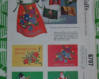 Vintage Pattern 1962, McCall's Applique Christmas Motifs for Flags and Aprons Unused