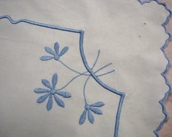 Embroidered Linen Table Runner Dresser Scarf - Vintage