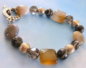 Agate Stone Bead Bracelet, Gray Taupe Silver Bracelet, Natural Stone Bracelet, FREE US SHIPPING, Earthtones Bracelet