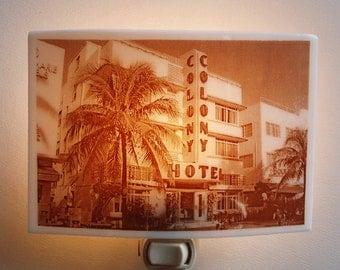 Miami beach  nightlight - Art deco hotel