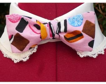 unisex bow tie in pink liquorice print candy bowtie