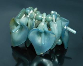 Vintage Wide Plastic Figural Lily Flower Statement Bracelet In Teal Blue