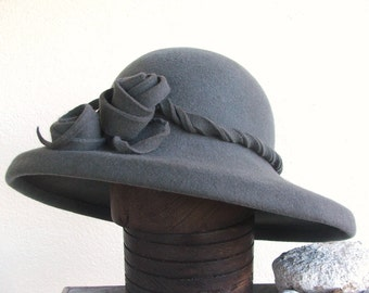 Unique grey wide brim ladies hat. Traditional millinery. Felted pure wool. Made to order in France.