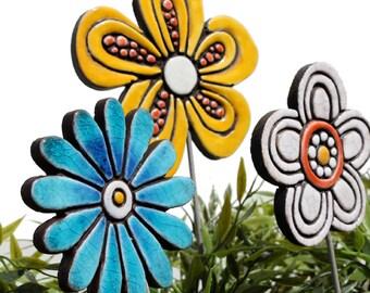 Flower garden art - plant stake - garden decor - flower ornament  - ceramic flower - daisy - yellow