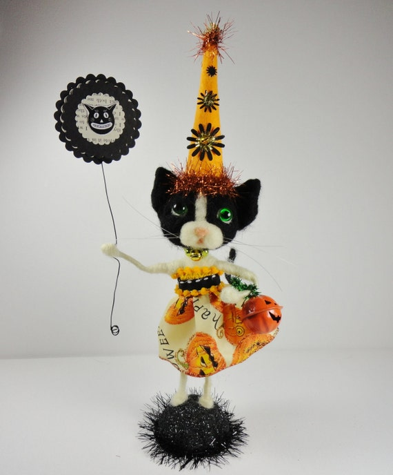 "11-1/2"" Halloween Black White Kitten wool needlefelted Cat sign orange and black tinsel mercury glass glass eyes Trick or Treat - Pookie"