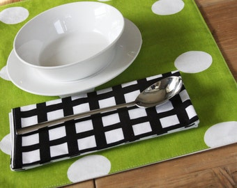 Green Placemats in Green with White Dots - Set of 4