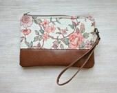 Vintage look floral Clutch Purse Vegan Faux leather Wristlet Retro style