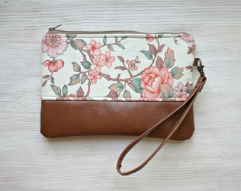 Vintage look floral Clutch Purse Vegan Faux leather Wristlet Retro style
