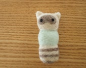 Raccoon Felt Workmate: 4GB USB flash drive