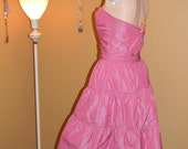 David Meister Gown.. Strapless Sweet heart Bust Rockabilly Rusching Rhinestone belt.MAUVE color.Built in crinoline ..Light weight