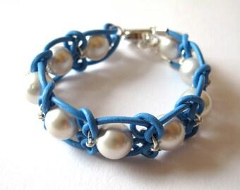 Maggi pearl leather bracelet