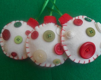 Christmas ornaments- White felt and buttons, Set of 3