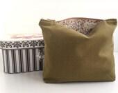 Green Fabric Makeup Bag - Handmade Zippered Pouch - Flat Bottom Pouch