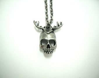 Skull Antlers Necklace
