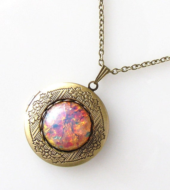 opal locket necklace, opal necklace, gift idea, locket jewelry, locket pendant necklace, fire opal, October birthstone, vintage glass stone