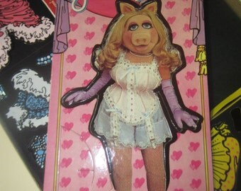 Miss Piggy Colorforms Dress Up Set vintage 1980 Henson Associates 644 toy game Muppets kitschy