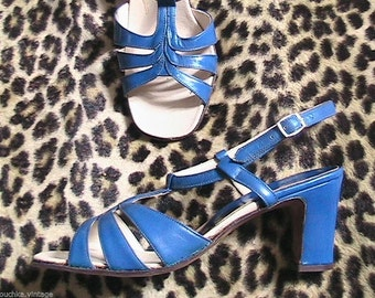 Groovy 1960s Woman Ankle Strap Sandals Shoes - Electric Blue Leather - MADE IN ITALY - New - 6