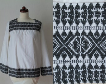 Vintage Peasant Blouse - 1970's Hungarian Embroidered Tunic  - Size S