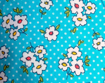 Blue Daisies Baby Blanket, Soft and Comfy