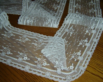 Flowered lace, 5 inchs wide, scalloped top/bottom edges, white flat lace, sewing trim, yardage, tulle-like, old fashioned look